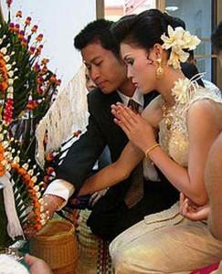 Как здороваются в Таиланде